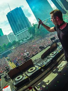 Ultra Music Festival Miami 2017 Day 2 Sam Feldt (2017)