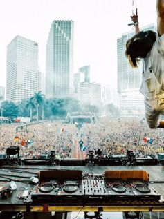 Ultra Music Festival Miami 2017 Day 2 Steve Aoki (2017)