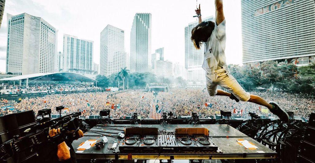Ultra Music Festival Miami 2017 Day 2 Steve Aoki (2017)